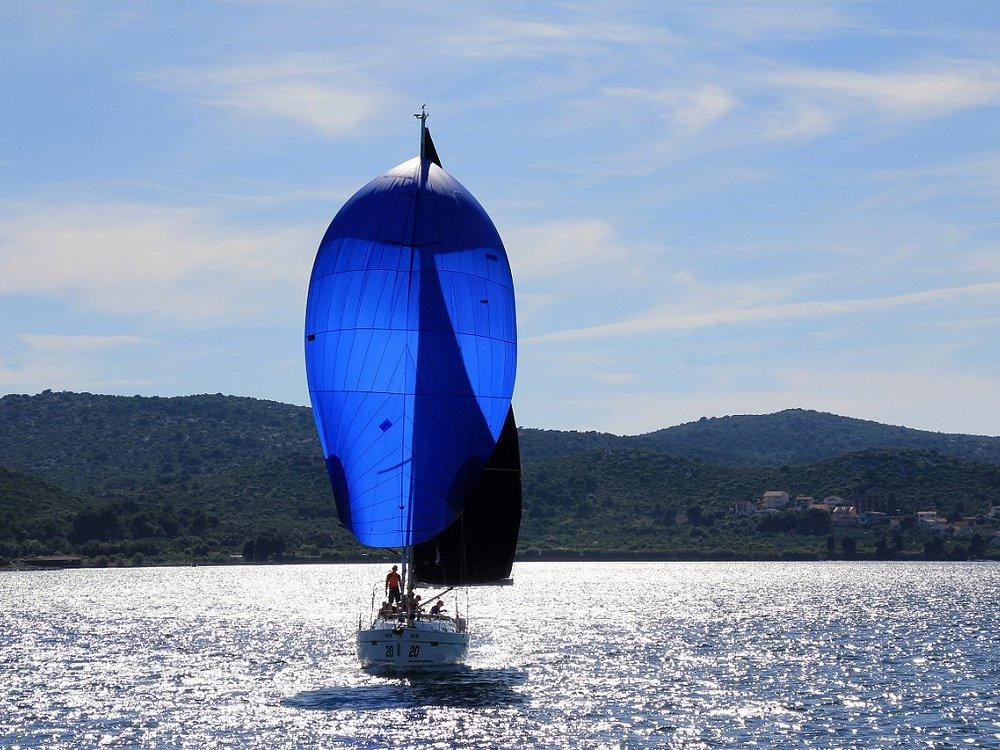 tenerife-sailing-near-your-luxury-home-at-abama