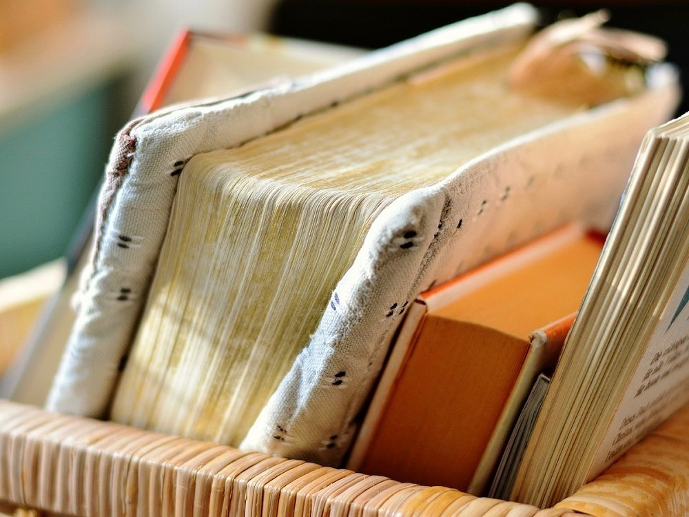 novels set in Spain to read at Abama