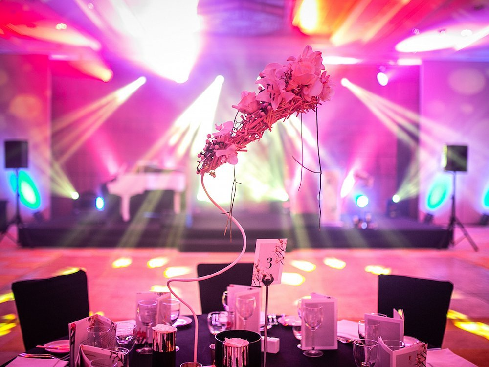 Table centrepieces by Carlos Curbelo at the Abama Opera Gala